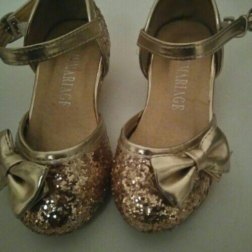 Chaussures enfant talon presque neuves