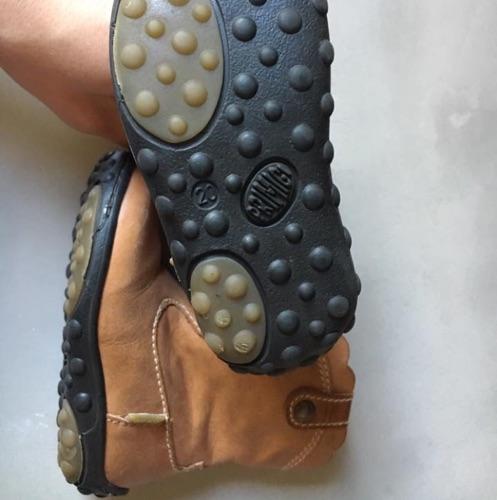 Bottines cuir Primigi et Sandales adidas pour Maissa