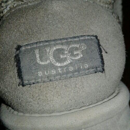 UGG gris avec paillette