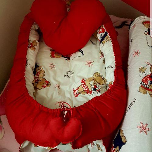 Tour de lit pour bebe ..coussin....
