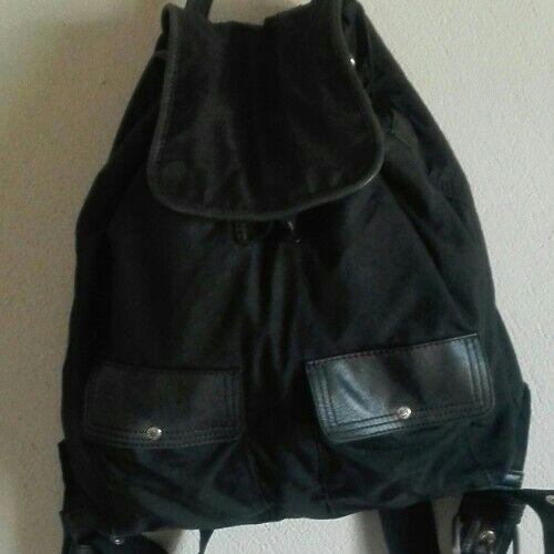 Sac à dos noir de la marque Zippo