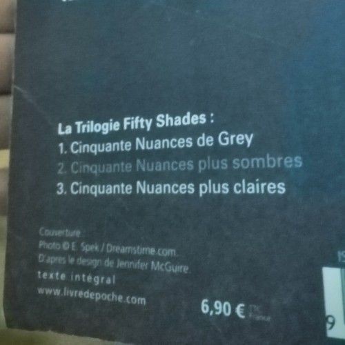Livre fifty shades of Grey  francais