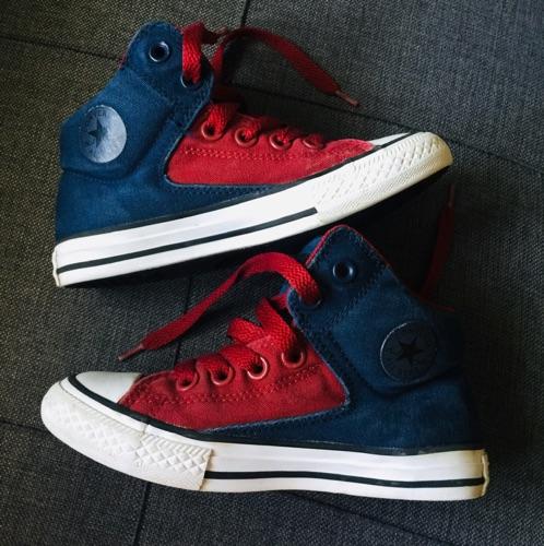Baskets garçon bleu et rouge